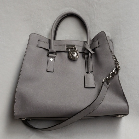 c981e79b8c26f4 Michael Kors Hamilton Pearl Gray Leather Tote. M_5b8c95f4194dad889f273666